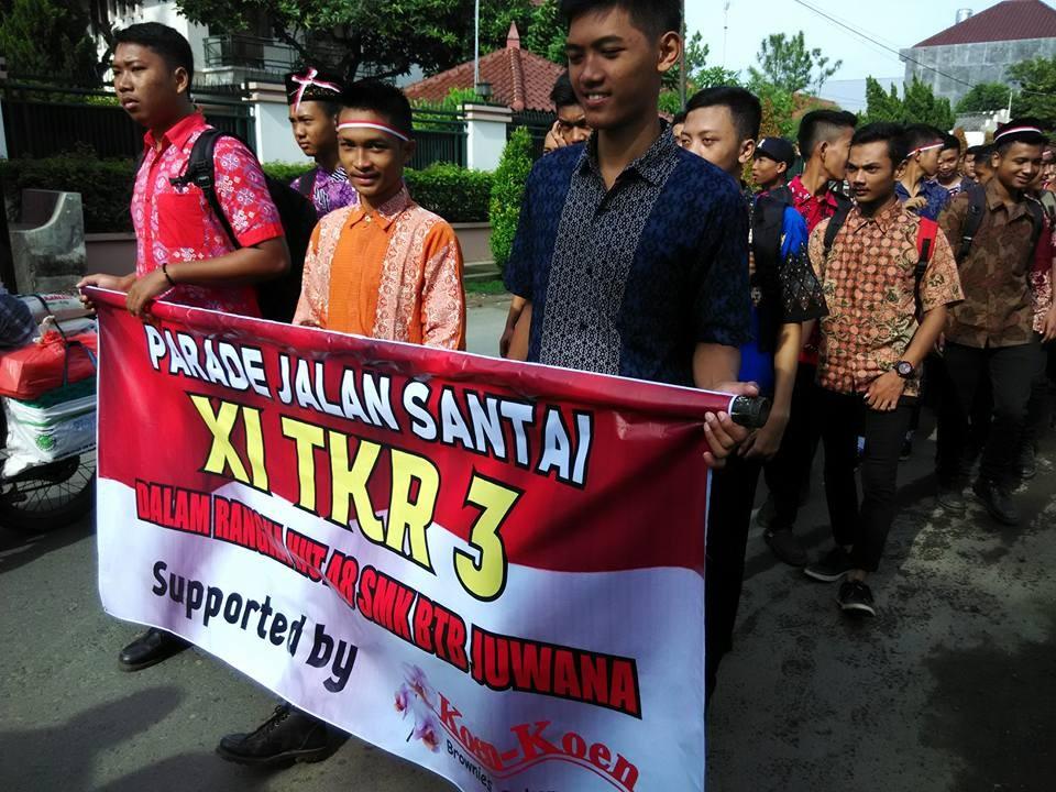 Parade Jalan Santai dalam rangka peringatan HUT ke 48 SMK BTB Juwana