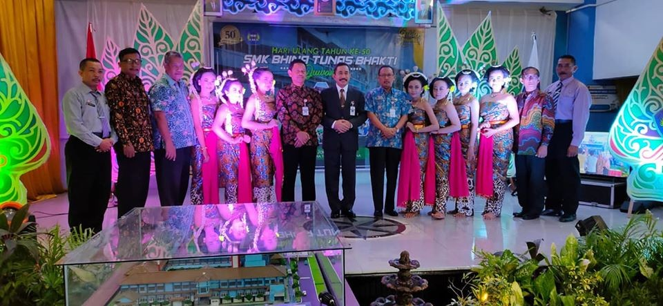Launching Program IOT dan Smart School Hut ke-50 SMK Bhina Tunas Bhakti Juwana
